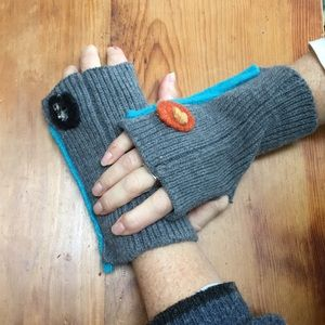 Accessories - Texting gloves. Cotton wool